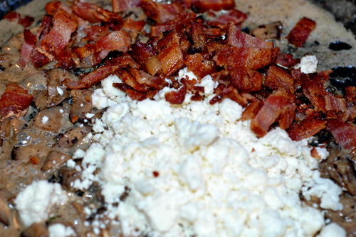 Mushrooms, cream, bacon, crumbled cheese