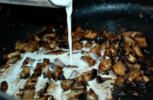 fried mushrooms in cream