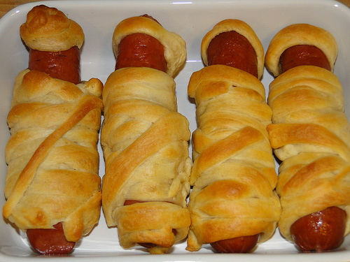 Crescent Mummy Dogs without Eyes
