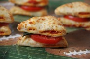 Double Slice Caprese Pizza Bites.2
