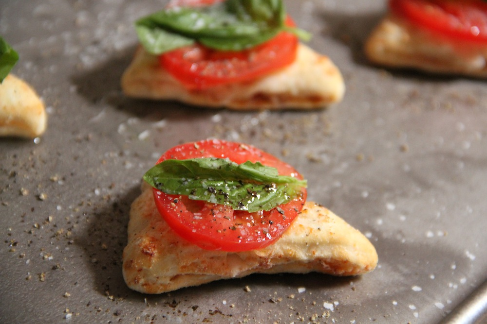 Double Slice Caprese Pizza Bites