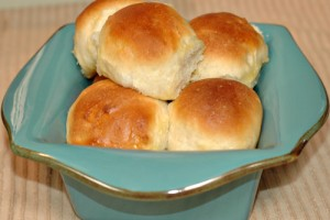 The Best Dinner Rolls – Soft, Sweet Bread!