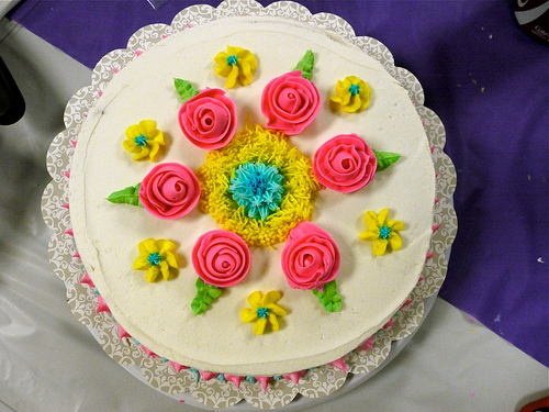 My Cake Decorating Gr Facebook : Wilton Cake Decorating-Flowers - A Cowboy s Wife