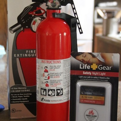 Life+Gear Fire Safety Night Light and Kidde Fire Extinguisher #HDFireSafety