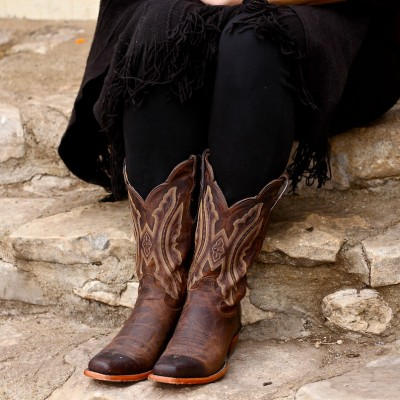 Justin Boots, Handcrafted in the USA Y'all! {Giveaway}