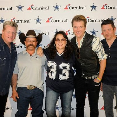 CARNIVAL CRUISE LINE Partners with Dallas Cowboys – Guy Fieri Tailgate {Giveaway}