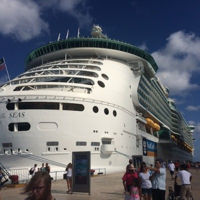 5 Ways a Royal Caribbean Cruise Will Turn a Shy Girl Into a 'Fly Girl' #SeastheDay