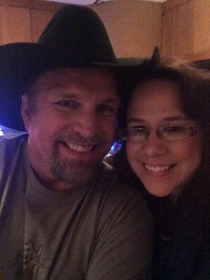 selfie with Garth Brooks