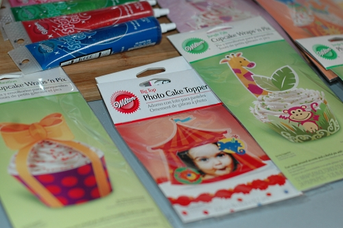 wilton wrappers and toppers